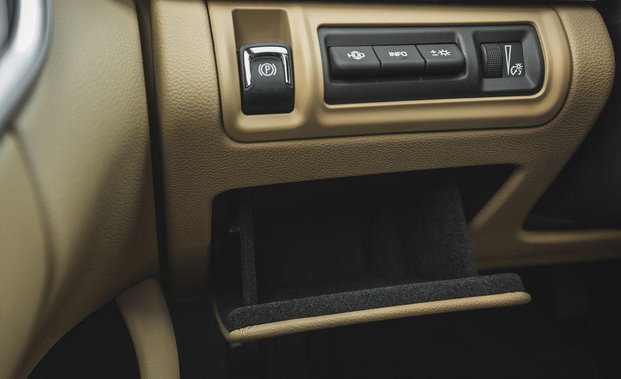 2018 Cadillac XTS V-Sport AWD - Slide 36