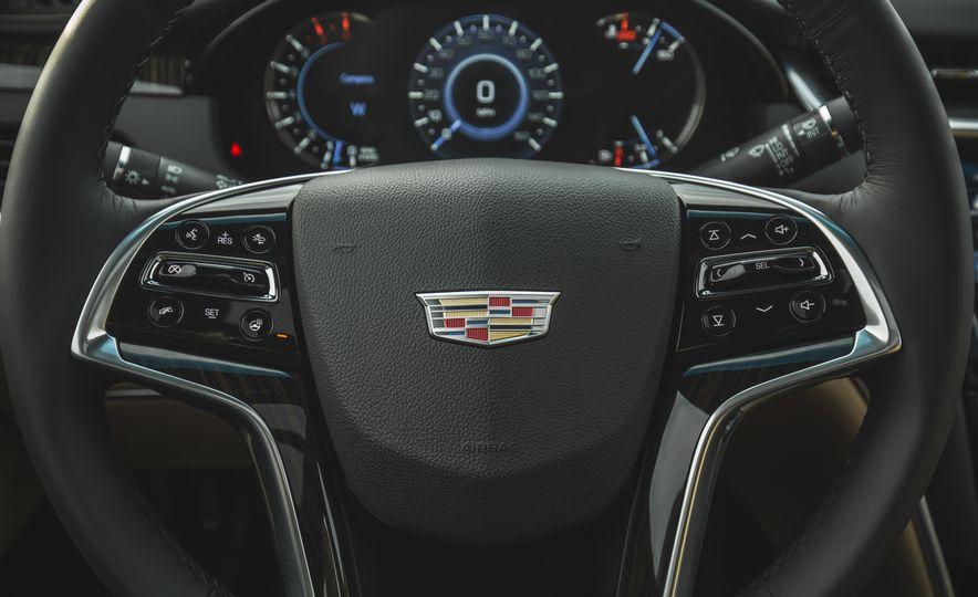 2018 Cadillac XTS V-Sport AWD - Slide 38