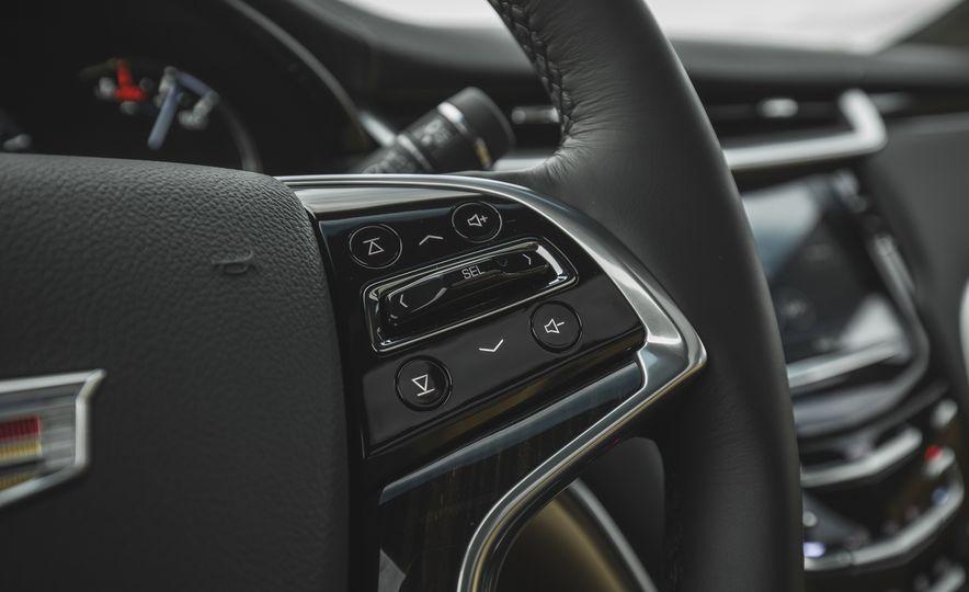 2018 Cadillac XTS V-Sport AWD - Slide 40
