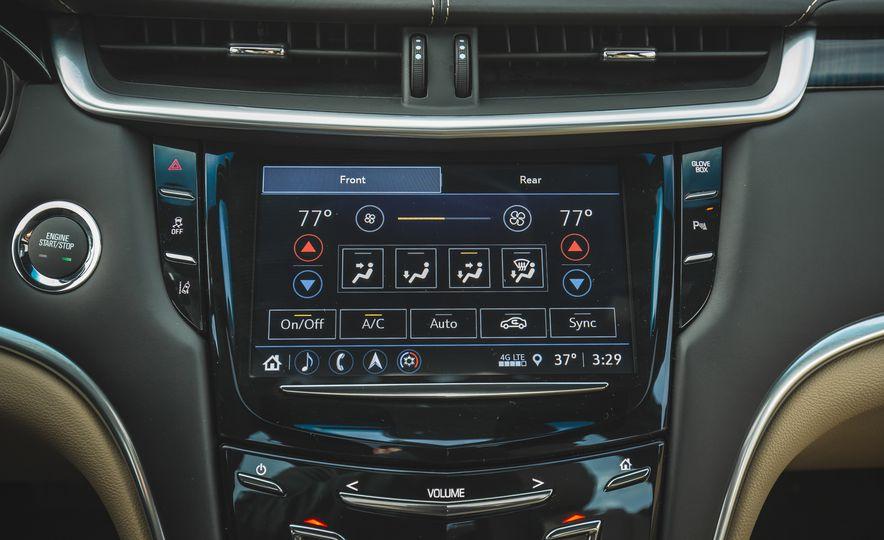 2018 Cadillac XTS V-Sport AWD - Slide 45