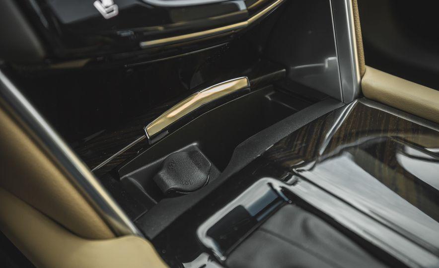2018 Cadillac XTS V-Sport AWD - Slide 52