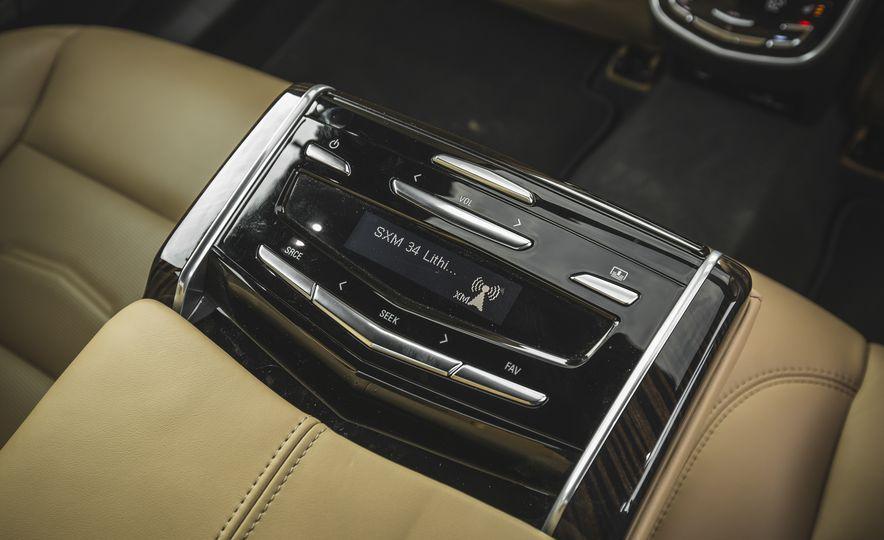 2018 Cadillac XTS V-Sport AWD - Slide 55