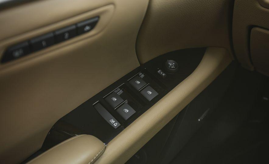 2018 Cadillac XTS V-Sport AWD - Slide 57