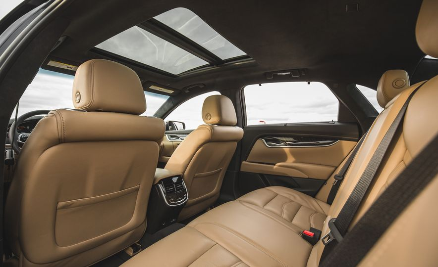 2018 Cadillac XTS V-Sport AWD - Slide 63