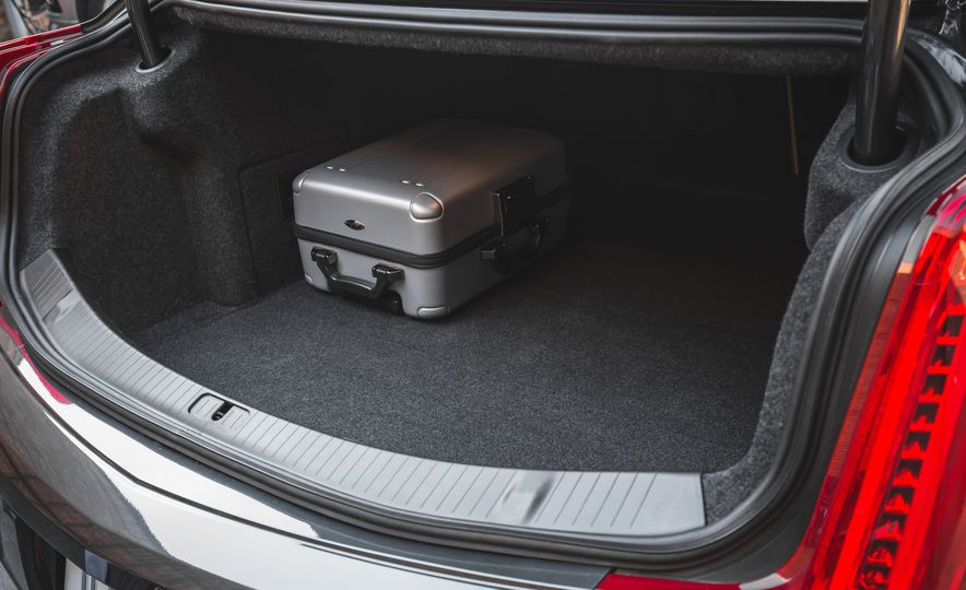 2018 Cadillac XTS V-Sport AWD - Slide 73