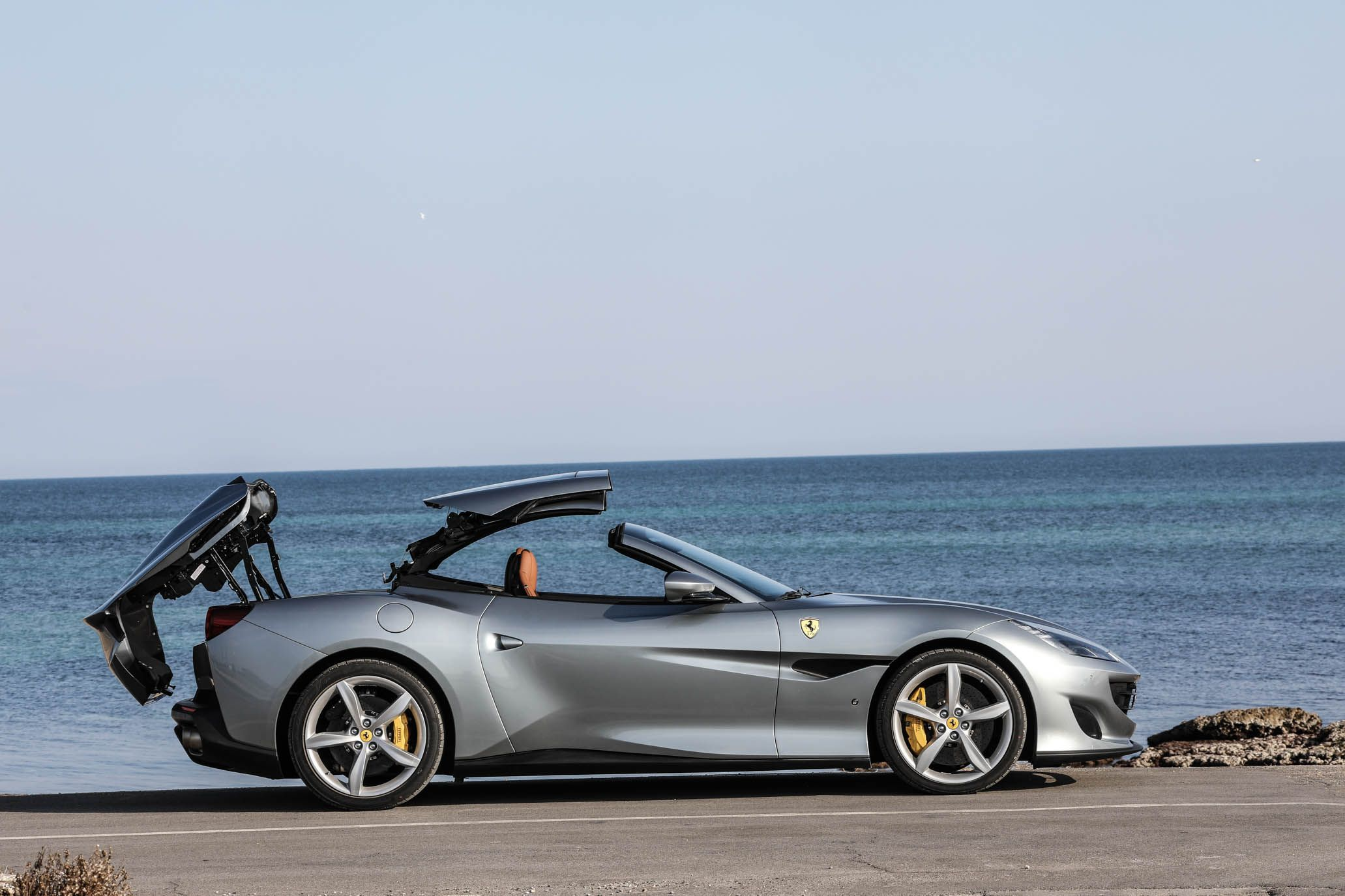2019 Ferrari Portofino Reviews Price Photos And Specs Car Driver
