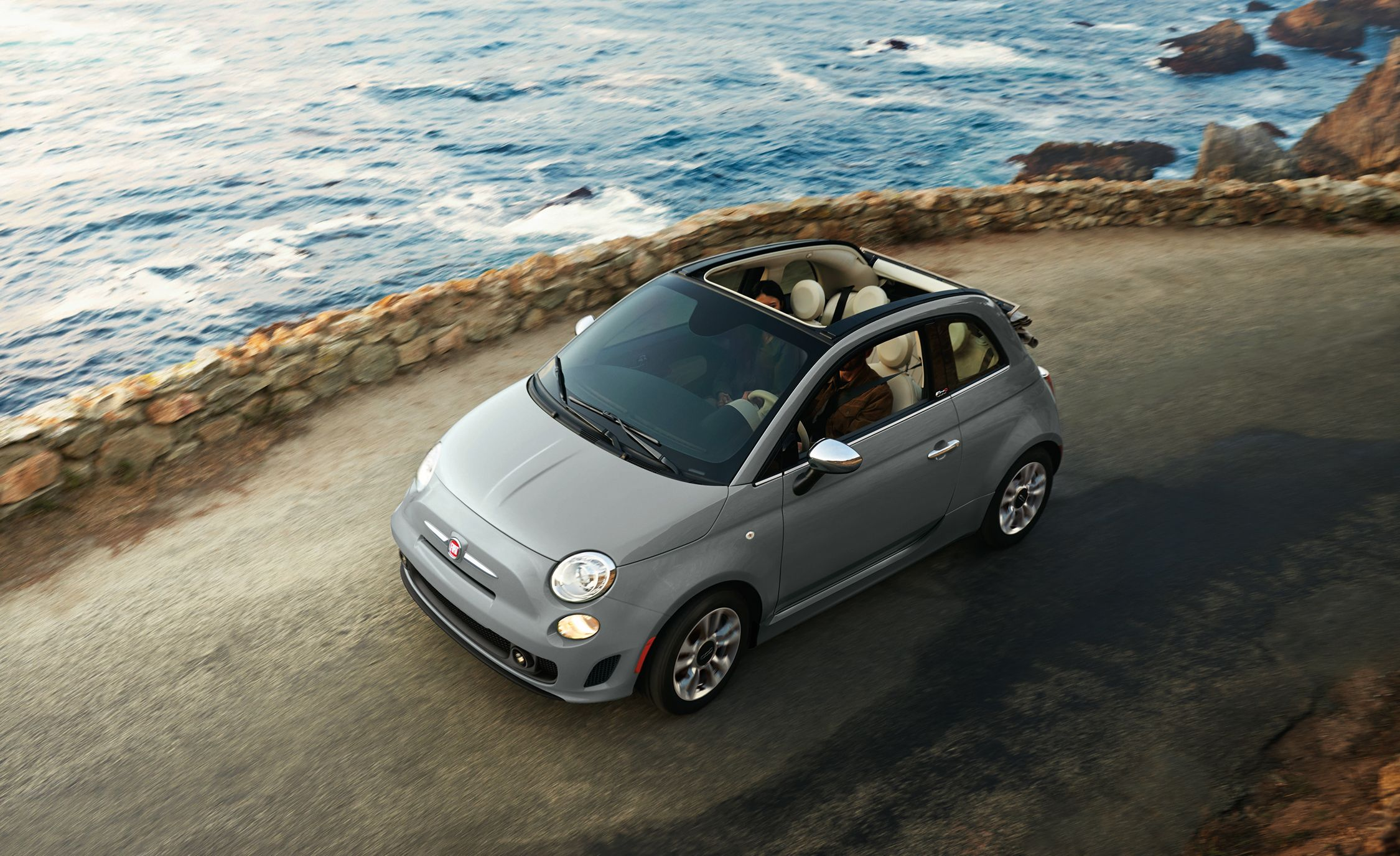 Fiat 500 Reviews Fiat 500 Price Photos And Specs Car And Driver