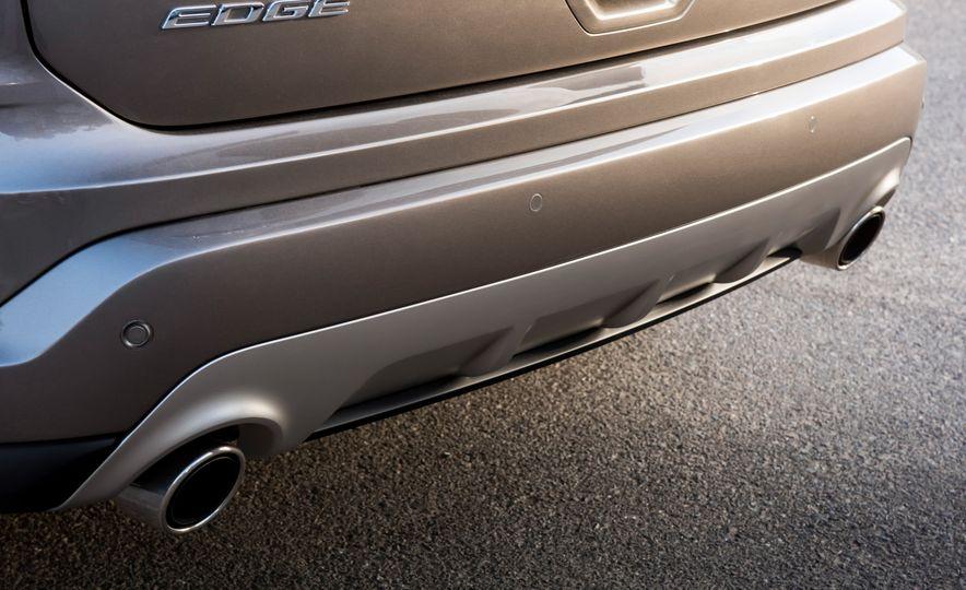 2019 Ford Edge Titanium Elite - Slide 34