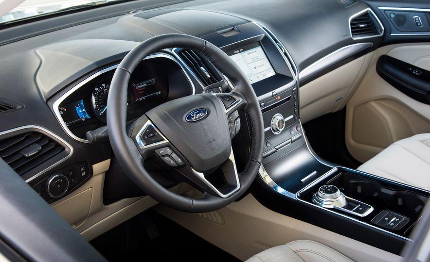 2019 Ford Edge Titanium Elite - Slide 36