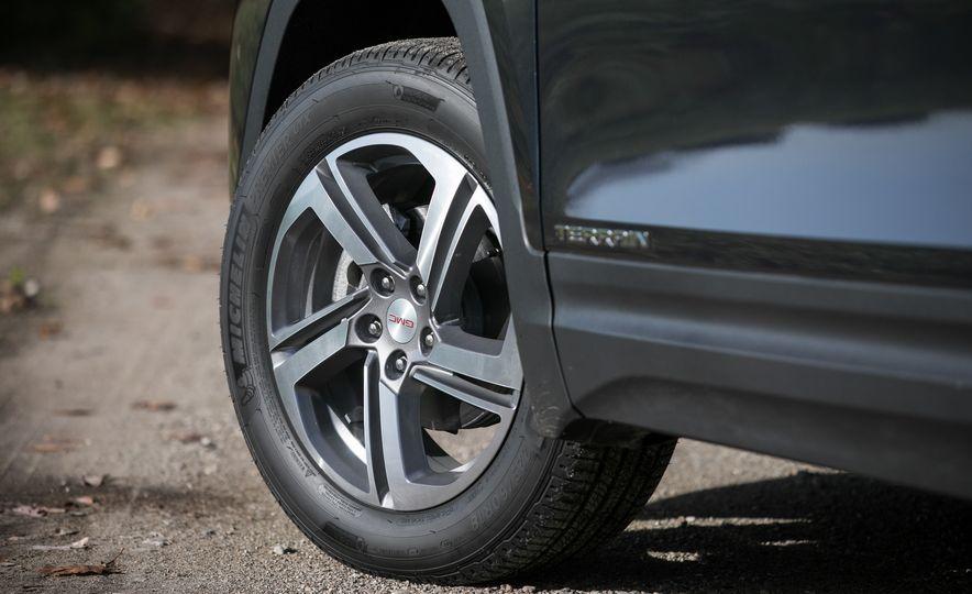 2018 GMC Terrain Diesel AWD - Slide 32