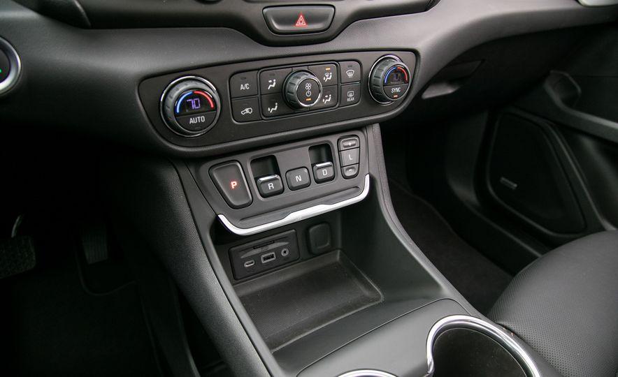 2018 GMC Terrain Diesel AWD - Slide 72