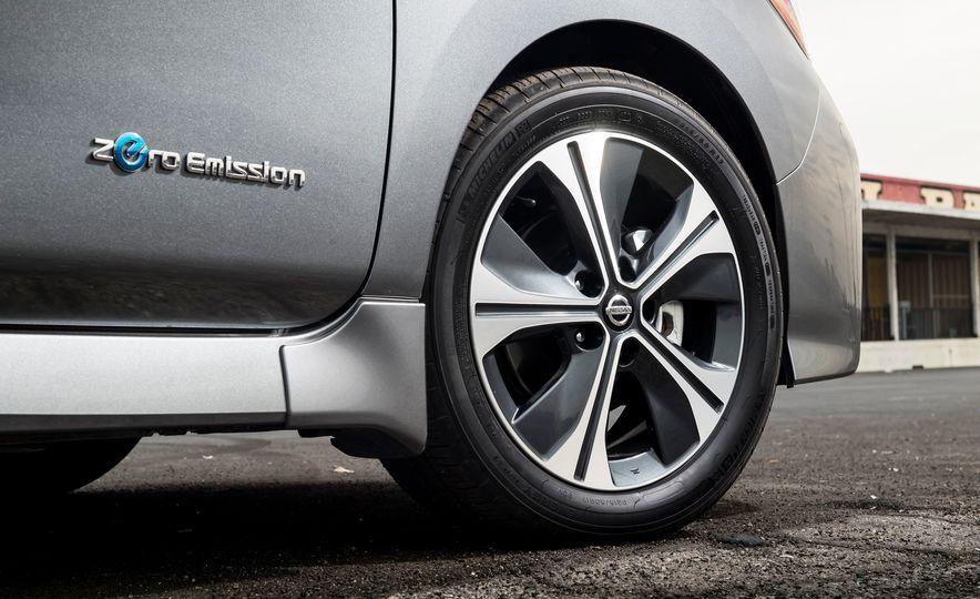 2018 Nissan Leaf SV - Slide 10