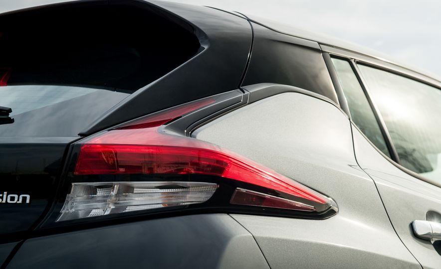 2018 Nissan Leaf SV - Slide 11