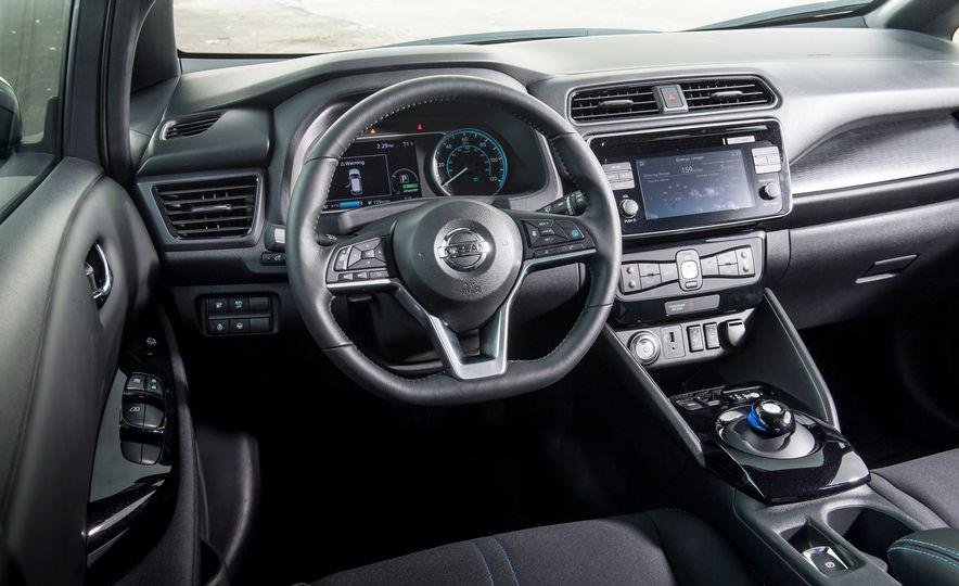 2018 Nissan Leaf SV - Slide 14