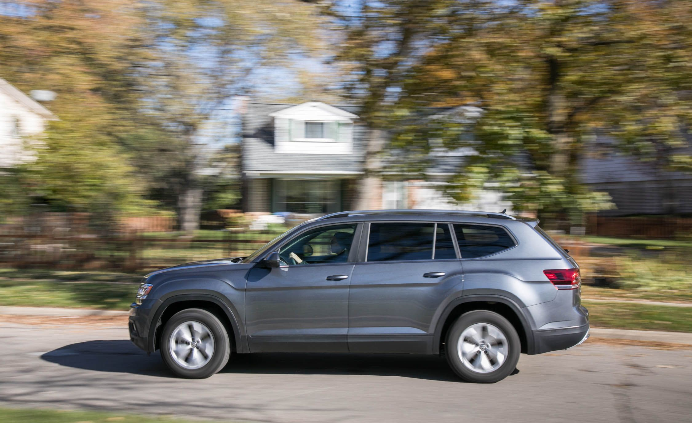 2019 Volkswagen Atlas Reviews Price Photos And Specs Car Driver