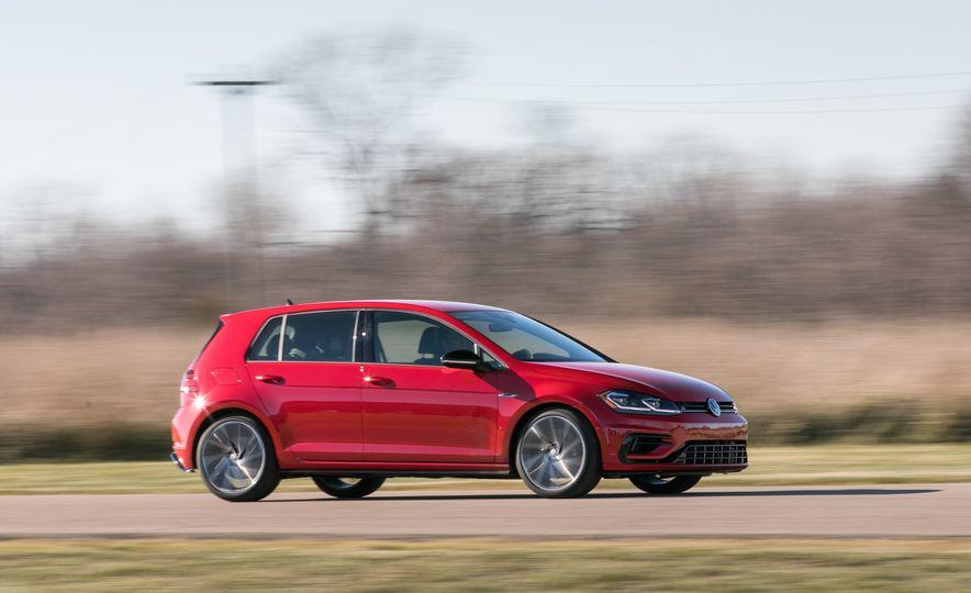 2018 Volkswagen Golf R - Slide 10