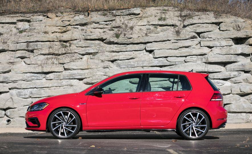 2018 Volkswagen Golf R - Slide 19