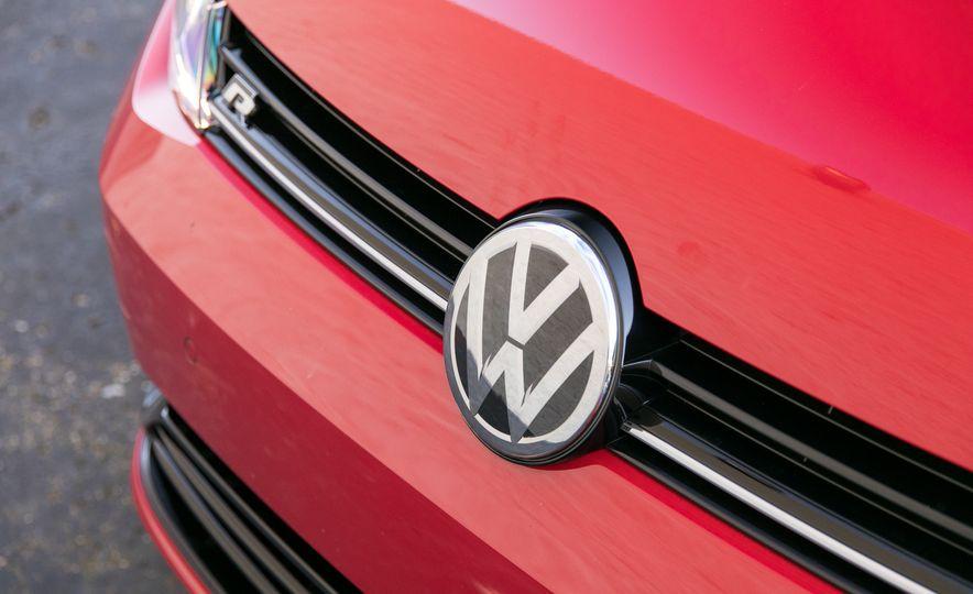 2018 Volkswagen Golf R - Slide 35