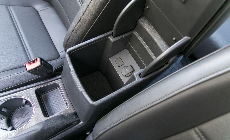 2018 Volkswagen Passat SE 2.0T - Slide 67