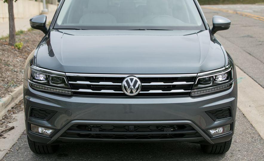 2018 Volkswagen Tiguan SEL 4Motion - Slide 16