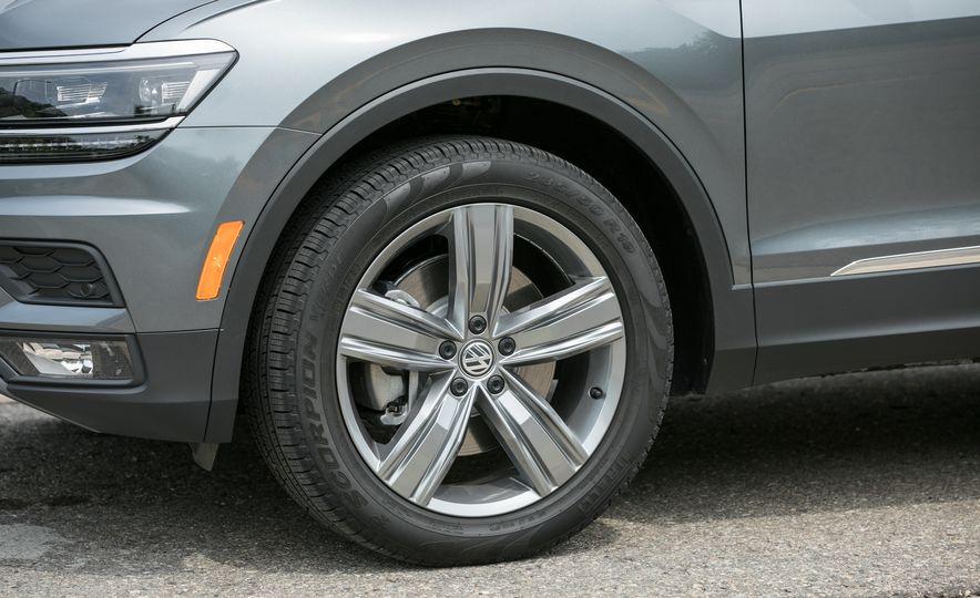 2018 Volkswagen Tiguan SEL 4Motion - Slide 19