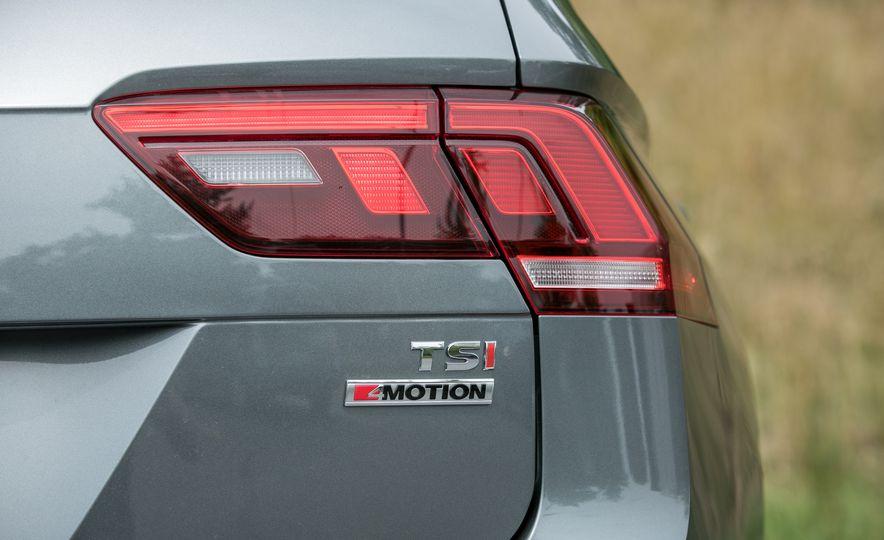 2018 Volkswagen Tiguan SEL 4Motion - Slide 28