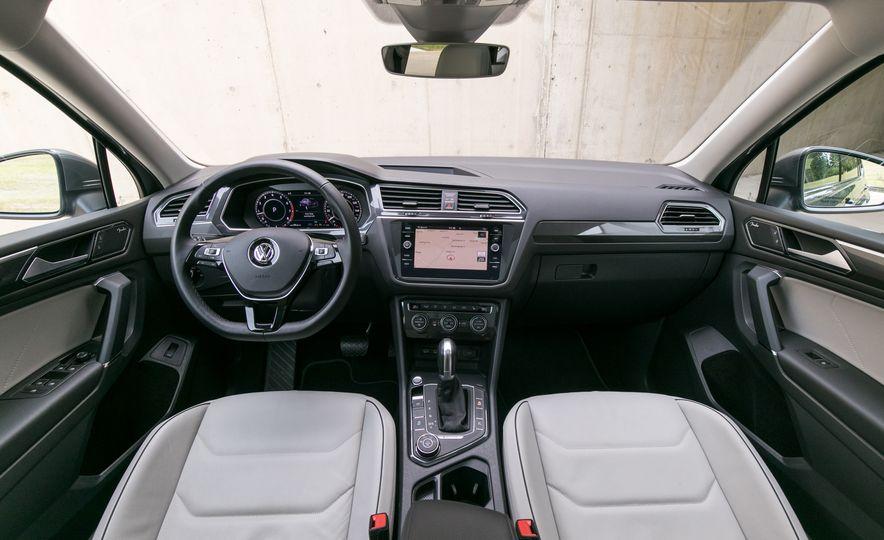2018 Volkswagen Tiguan SEL 4Motion - Slide 33
