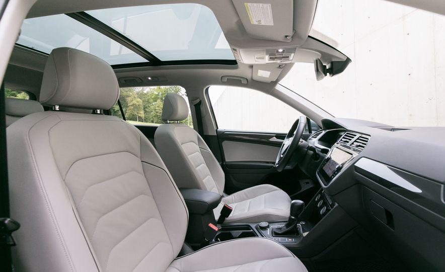 2018 Volkswagen Tiguan SEL 4Motion - Slide 35