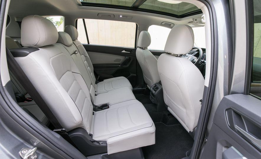 2018 Volkswagen Tiguan SEL 4Motion - Slide 37