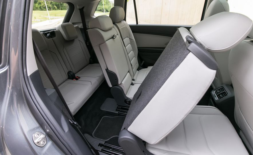 2018 Volkswagen Tiguan SEL 4Motion - Slide 41
