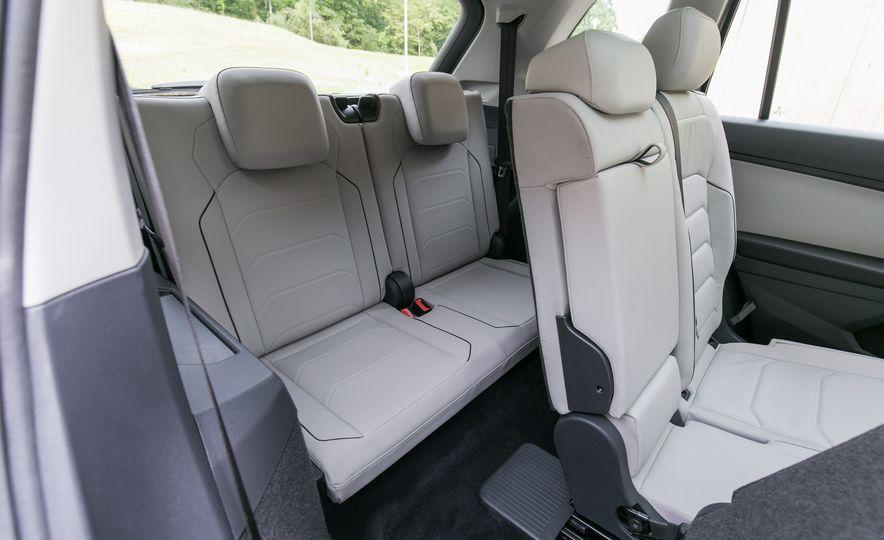2018 Volkswagen Tiguan SEL 4Motion - Slide 42
