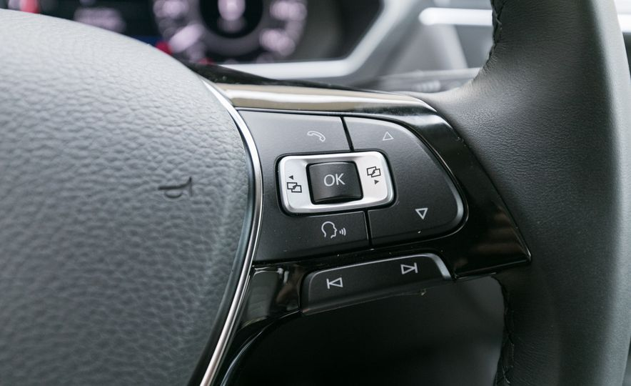 2018 Volkswagen Tiguan SEL 4Motion - Slide 47