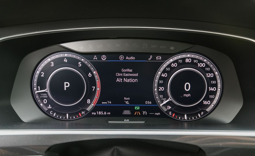 2018 Volkswagen Tiguan SEL 4Motion - Slide 54