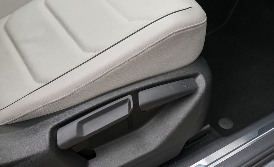 2018 Volkswagen Tiguan SEL 4Motion - Slide 93