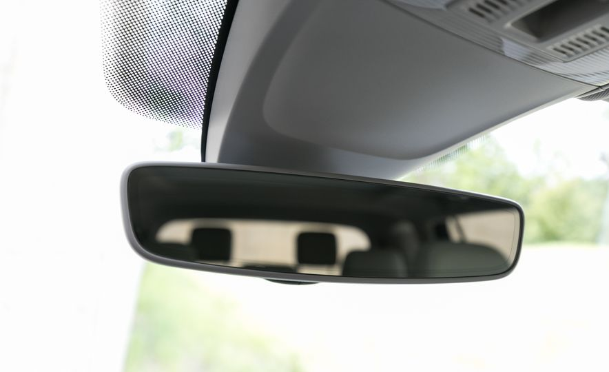 2018 Volkswagen Tiguan SEL 4Motion - Slide 99