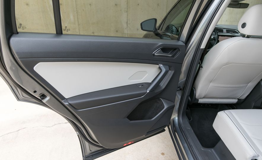 2018 Volkswagen Tiguan SEL 4Motion - Slide 106