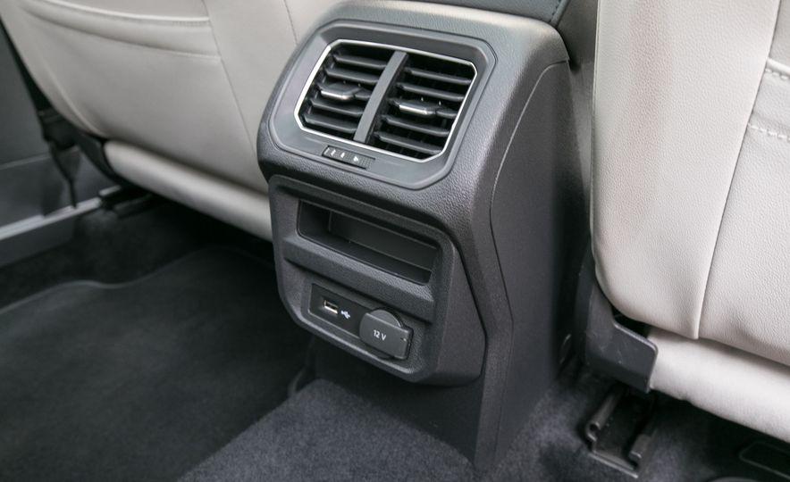 2018 Volkswagen Tiguan SEL 4Motion - Slide 107