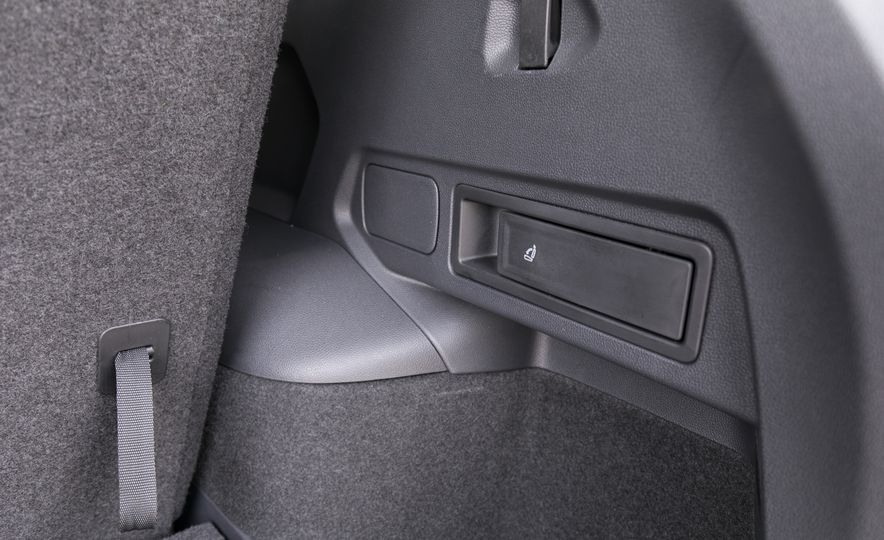 2018 Volkswagen Tiguan SEL 4Motion - Slide 121