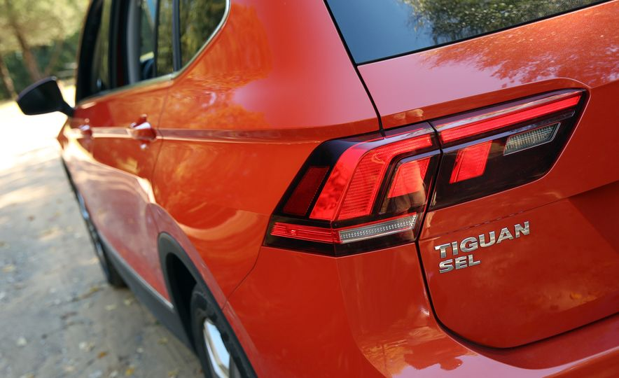 2018 Volkswagen Tiguan SEL 4Motion - Slide 156