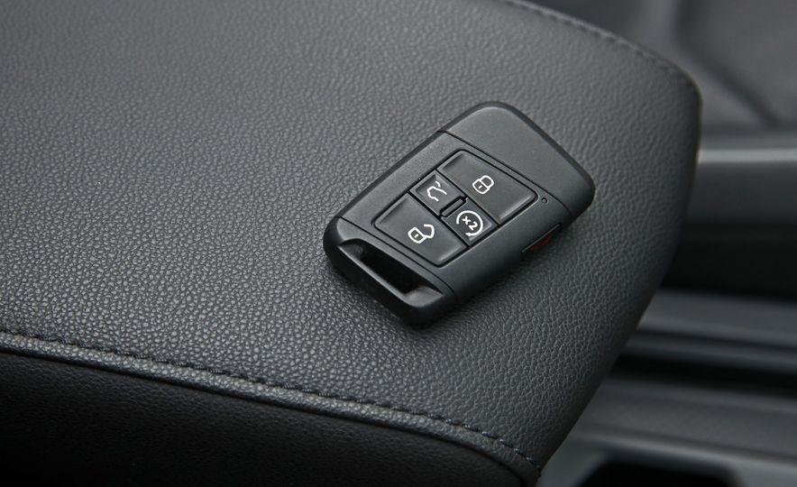 2018 Volkswagen Tiguan SEL 4Motion - Slide 175