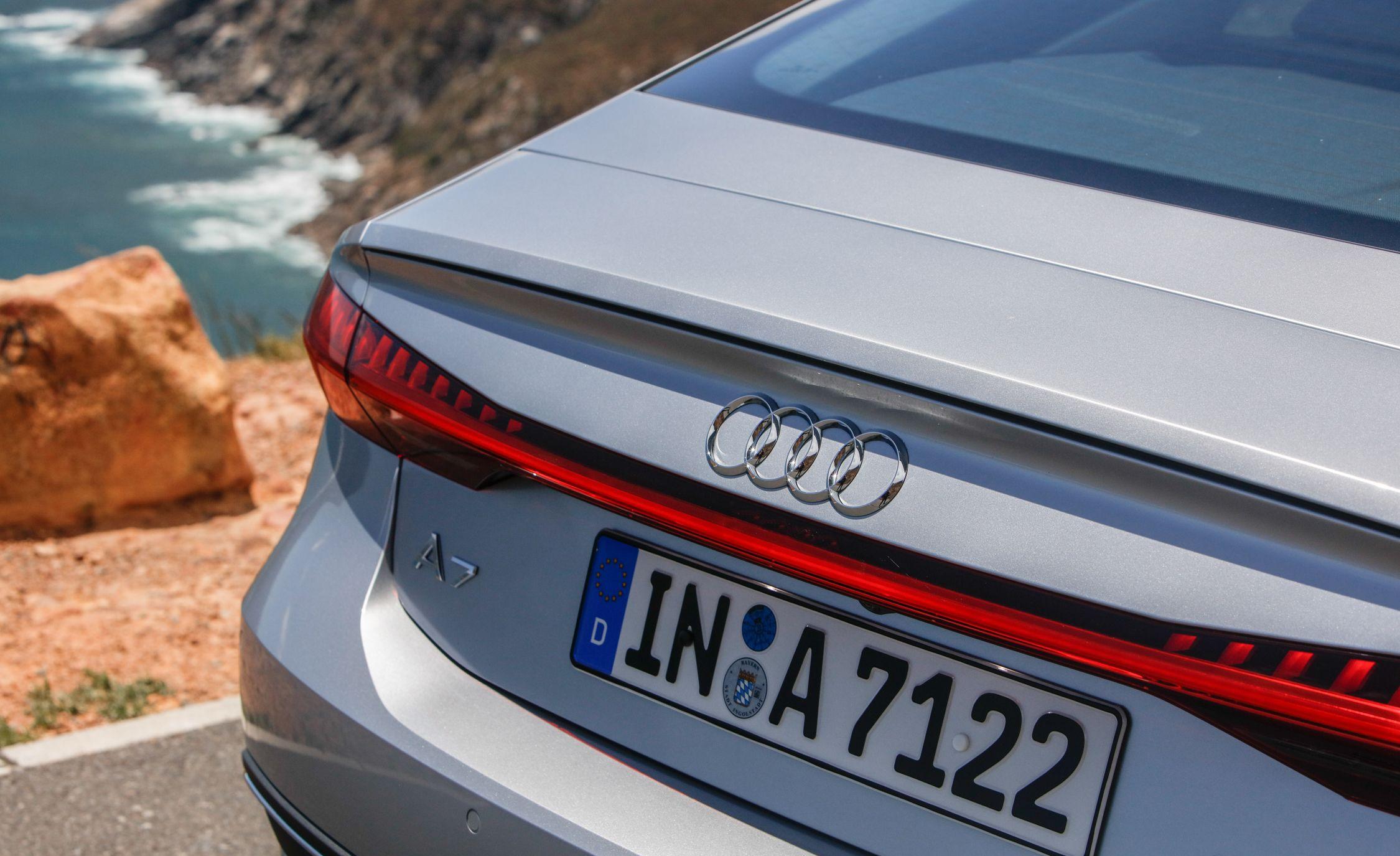 2019-Audi-A7-Sportback-155-1.jpg
