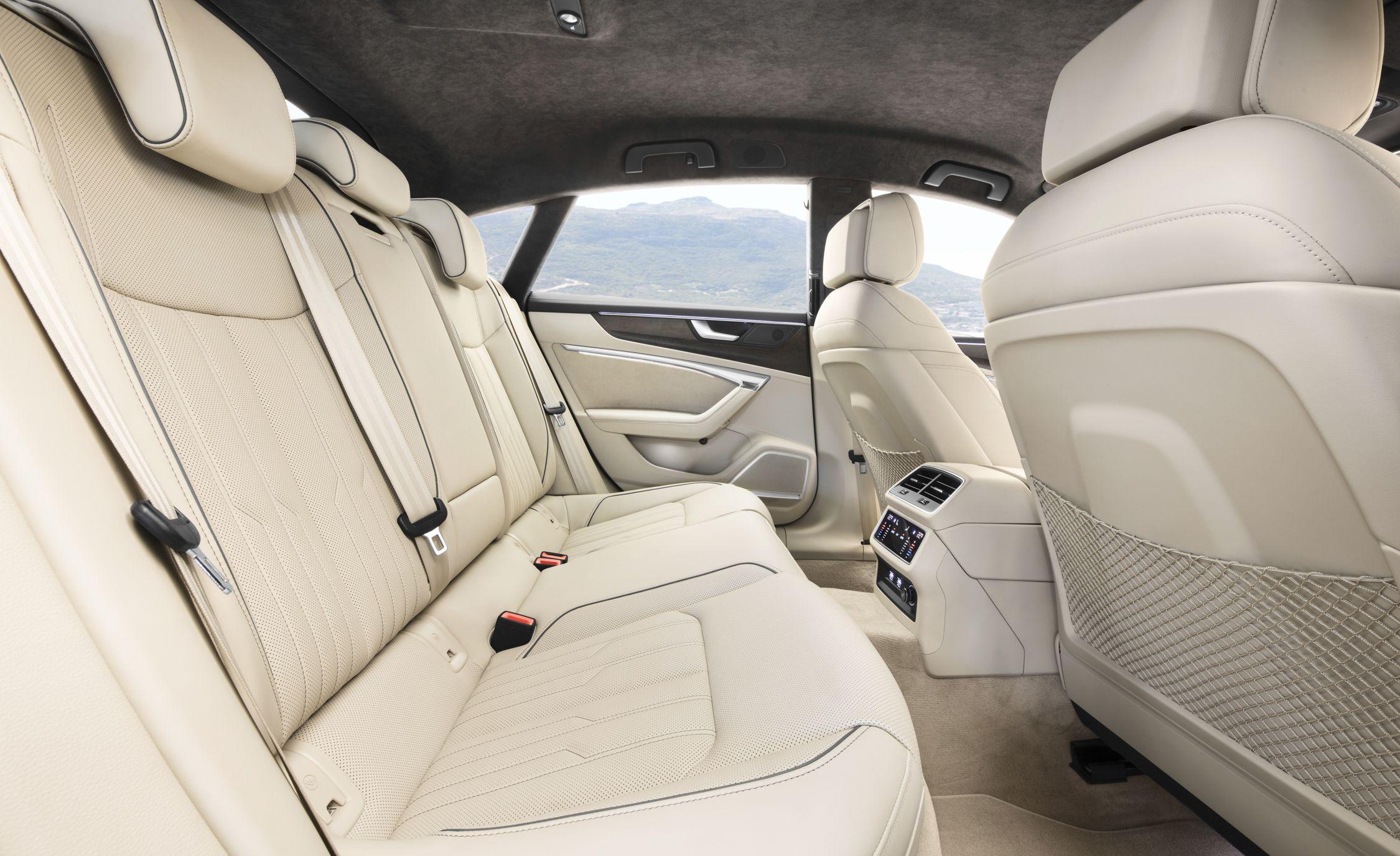 2019-Audi-A7-Sportback-182-1.jpg