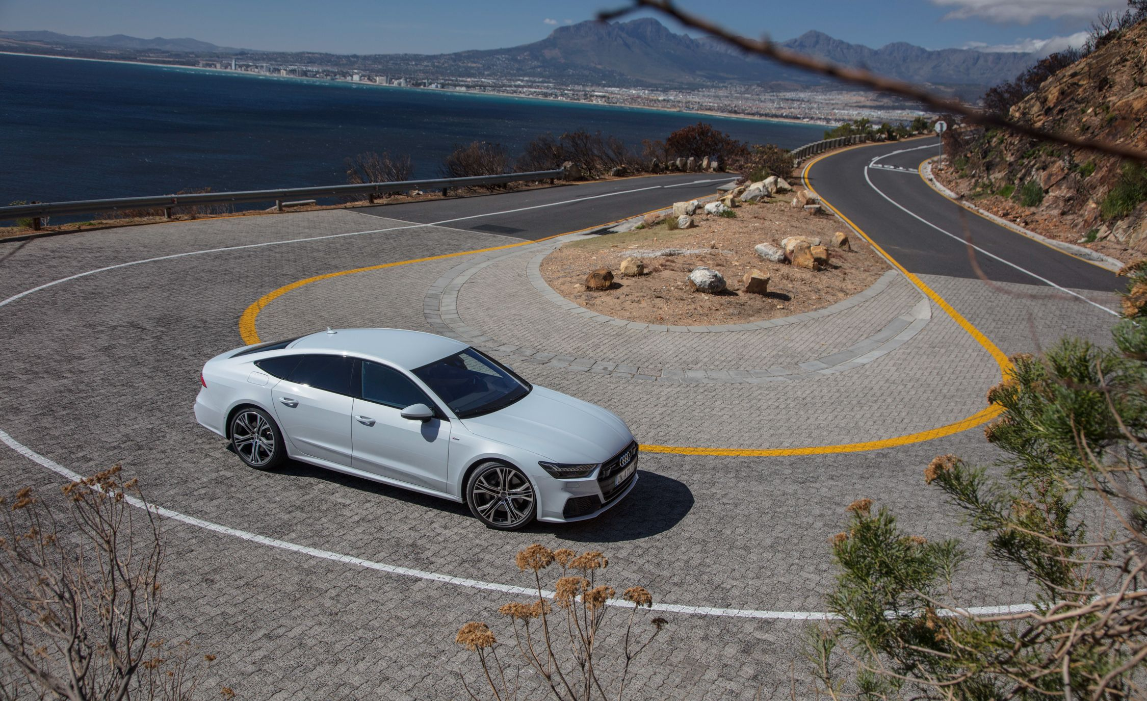 2019-Audi-A7-Sportback-194-1.jpg