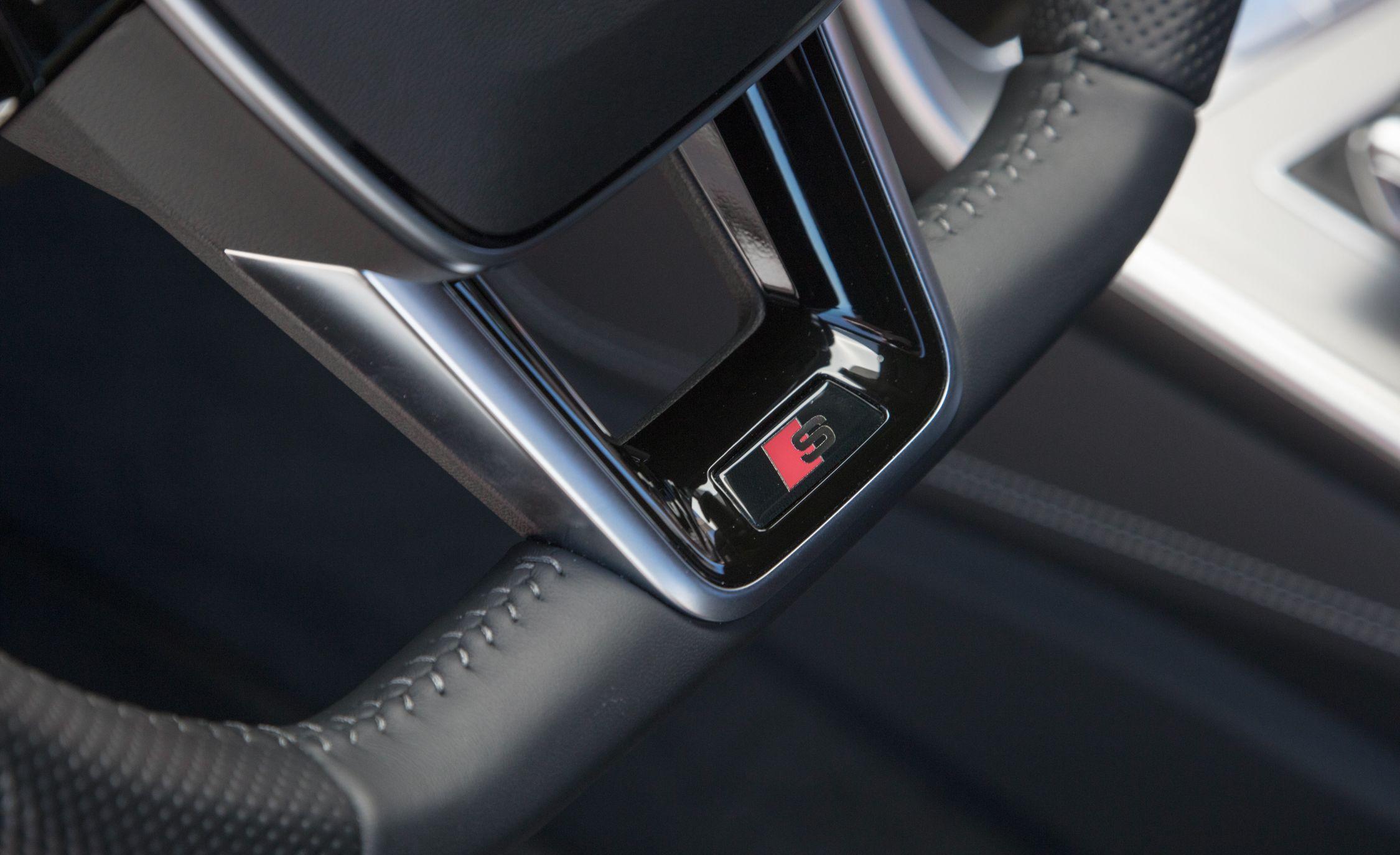 2019-Audi-A7-Sportback-214.jpg