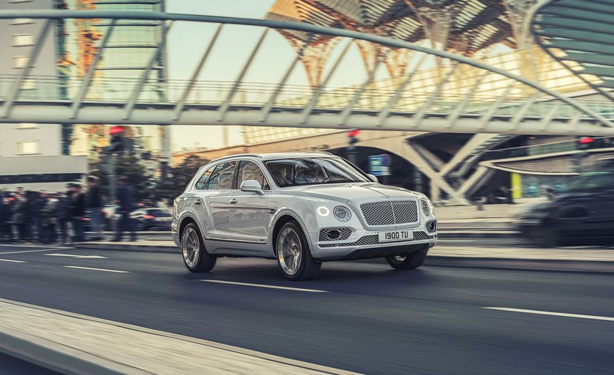 2019 Bentley Bentayga Hybrid - Slide 13