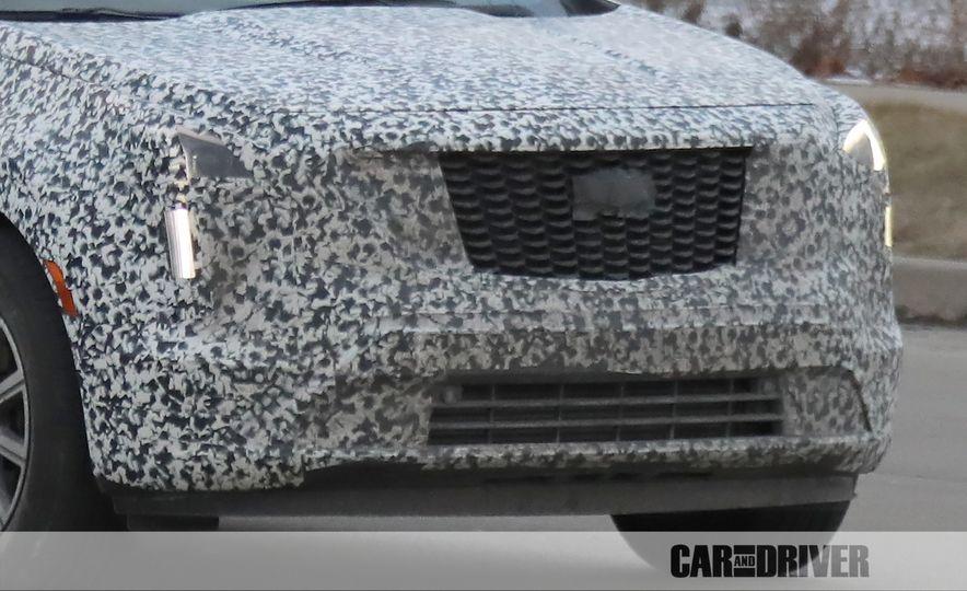 2019 Cadillac XT4 (spy photo) - Slide 13