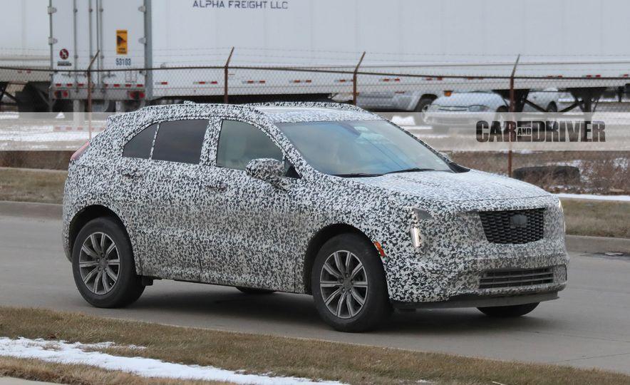 2019 Cadillac XT4 (spy photo) - Slide 4