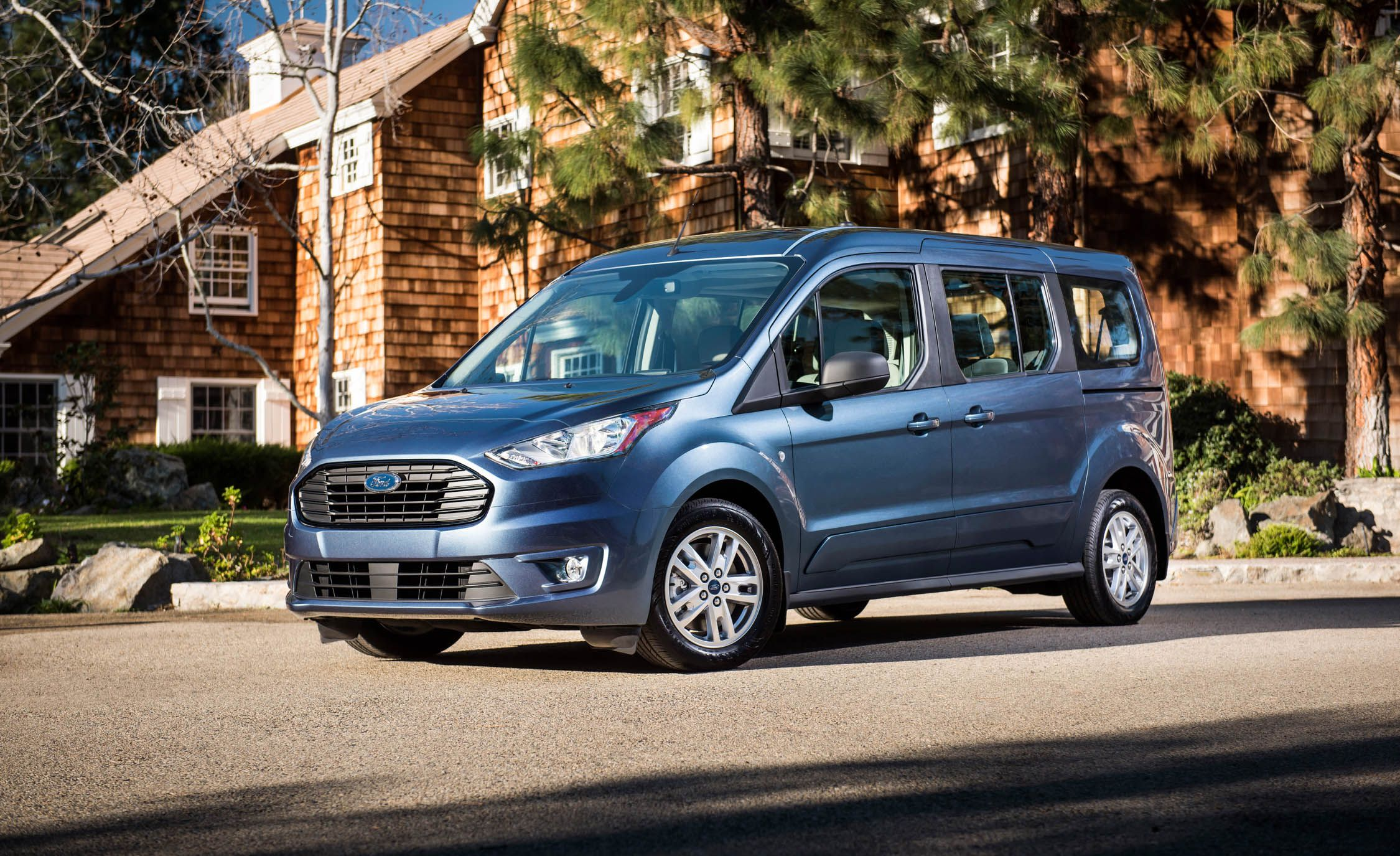 Ford Transit Connect Reviews Ford Transit Connect Price Photos And Specs Car And Driver