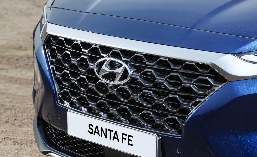 2019 Hyundai Santa Fe (Korea-spec) - Slide 12