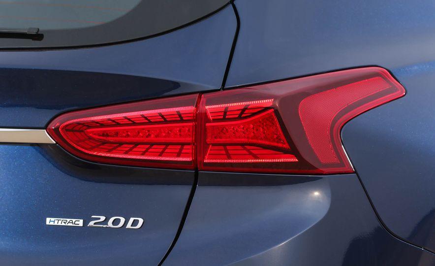 2019 Hyundai Santa Fe (Korea-spec) - Slide 13